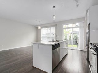"Photo 10: 19 7848 209 Street in Langley: Willoughby Heights Townhouse for sale in ""MASON & GREEN"" : MLS®# R2168191"