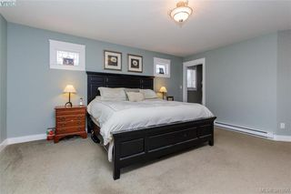 Photo 11: 3397 Rockwood Terr in VICTORIA: Co Triangle Single Family Detached for sale (Colwood)  : MLS®# 767212