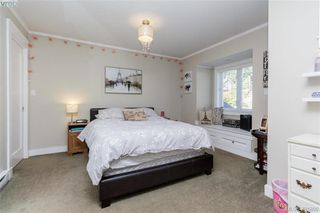 Photo 13: 3397 Rockwood Terr in VICTORIA: Co Triangle Single Family Detached for sale (Colwood)  : MLS®# 767212
