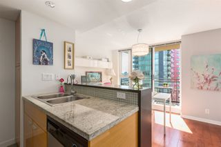 "Photo 9: 1805 33 SMITHE Street in Vancouver: Yaletown Condo for sale in ""COOPERS LOOKOUT"" (Vancouver West)  : MLS®# R2205849"