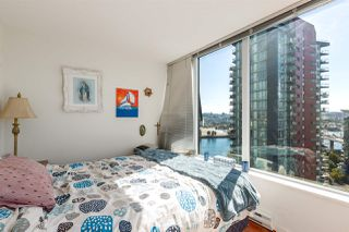 "Photo 15: 1805 33 SMITHE Street in Vancouver: Yaletown Condo for sale in ""COOPERS LOOKOUT"" (Vancouver West)  : MLS®# R2205849"