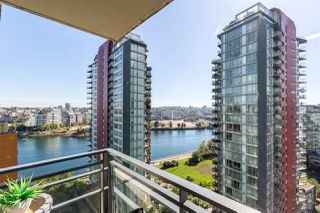 "Photo 1: 1805 33 SMITHE Street in Vancouver: Yaletown Condo for sale in ""COOPERS LOOKOUT"" (Vancouver West)  : MLS®# R2205849"