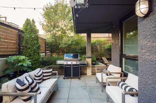 """Photo 17: 101 562 E 7TH Avenue in Vancouver: Mount Pleasant VE Condo for sale in """"8 ON 7"""" (Vancouver East)  : MLS®# R2212235"""