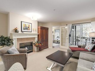"Photo 2: 206 1144 STRATHAVEN Drive in North Vancouver: Northlands Condo for sale in ""Strathaven"" : MLS®# R2217915"