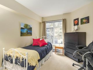 "Photo 12: 206 1144 STRATHAVEN Drive in North Vancouver: Northlands Condo for sale in ""Strathaven"" : MLS®# R2217915"