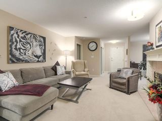 "Photo 4: 206 1144 STRATHAVEN Drive in North Vancouver: Northlands Condo for sale in ""Strathaven"" : MLS®# R2217915"