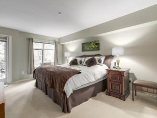 "Photo 14: 206 1144 STRATHAVEN Drive in North Vancouver: Northlands Condo for sale in ""Strathaven"" : MLS®# R2217915"