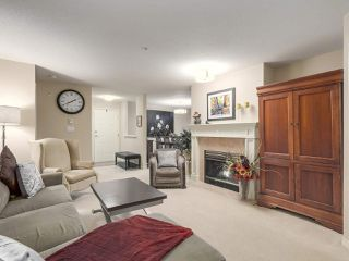 "Photo 5: 206 1144 STRATHAVEN Drive in North Vancouver: Northlands Condo for sale in ""Strathaven"" : MLS®# R2217915"