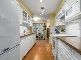 "Photo 7: 206 1144 STRATHAVEN Drive in North Vancouver: Northlands Condo for sale in ""Strathaven"" : MLS®# R2217915"