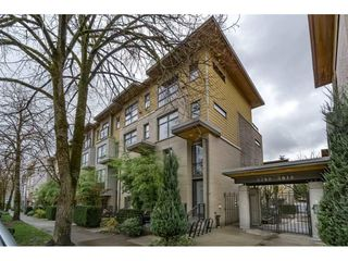 Photo 2: 3760 COMMERCIAL Street in Vancouver: Victoria VE Townhouse for sale (Vancouver East)  : MLS®# R2222619