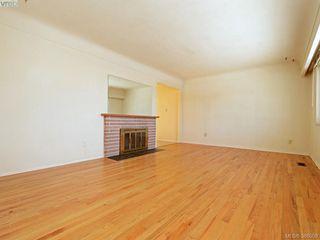 Photo 2: 3441 Seaton St in VICTORIA: SW Tillicum House for sale (Saanich West)  : MLS®# 779665