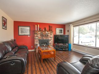 Photo 7: 1593 Dalmatian Drive in French Creek: House for sale : MLS®# 394449