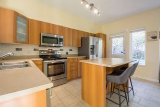 "Photo 5: 113 2000 PANORAMA Drive in Port Moody: Heritage Woods PM Townhouse for sale in ""MOUNTAINS EDGE"" : MLS®# R2261425"
