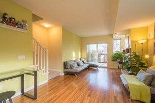"Photo 2: 113 2000 PANORAMA Drive in Port Moody: Heritage Woods PM Townhouse for sale in ""MOUNTAINS EDGE"" : MLS®# R2261425"