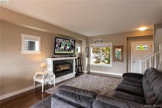 Photo 3:  in VICTORIA: La Westhills Single Family Detached for sale (Langford)  : MLS®# 395189