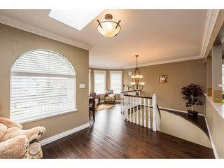Photo 3: 7119 RIDGEVIEW Drive in Burnaby: Westridge BN House for sale (Burnaby North)  : MLS®# R2288712