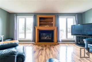 Photo 3: 67 Strand Circle in Winnipeg: River Park South Residential for sale (2F)  : MLS®# 1820526