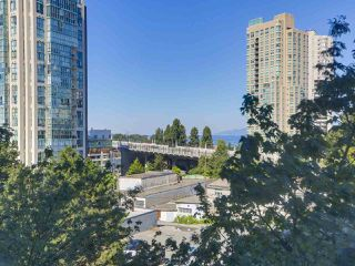 "Photo 11: 607 888 PACIFIC Street in Vancouver: Yaletown Condo for sale in ""PACIFIC PROMENADE"" (Vancouver West)  : MLS®# R2295781"