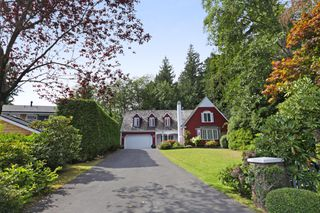 Photo 2: 5249 CLIFFRIDGE Avenue in North Vancouver: Canyon Heights NV House for sale : MLS®# R2306859