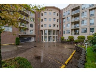 """Photo 2: 104 33731 MARSHALL Road in Abbotsford: Central Abbotsford Condo for sale in """"Stephanie Place"""" : MLS®# R2318447"""