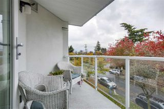 "Photo 13: 301 2010 W 8TH Avenue in Vancouver: Kitsilano Condo for sale in ""AUGUSTINE GARDENS"" (Vancouver West)  : MLS®# R2319806"