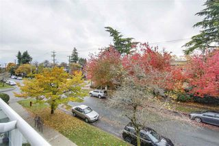 "Photo 15: 301 2010 W 8TH Avenue in Vancouver: Kitsilano Condo for sale in ""AUGUSTINE GARDENS"" (Vancouver West)  : MLS®# R2319806"