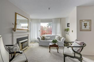 "Photo 3: 301 2010 W 8TH Avenue in Vancouver: Kitsilano Condo for sale in ""AUGUSTINE GARDENS"" (Vancouver West)  : MLS®# R2319806"