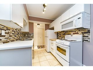 """Photo 11: 405 715 ROYAL Avenue in New Westminster: Uptown NW Condo for sale in """"Vista Royale"""" : MLS®# R2328335"""