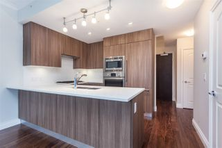 """Photo 4: 807 185 VICTORY SHIP Way in North Vancouver: Lower Lonsdale Condo for sale in """"Cascade At The Pier"""" : MLS®# R2329010"""
