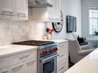 "Photo 3: 922 W 15TH Avenue in Vancouver: Fairview VW Townhouse for sale in ""Tisdall Row"" (Vancouver West)  : MLS®# R2343106"