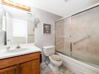 Photo 19: 12 140 STRATHAVEN Circle SW in Calgary: Strathcona Park Semi Detached for sale : MLS®# C4229318