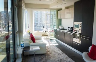 Photo 5: 702 1221 BIDWELL Street in Vancouver: West End VW Condo for sale (Vancouver West)  : MLS®# R2353633