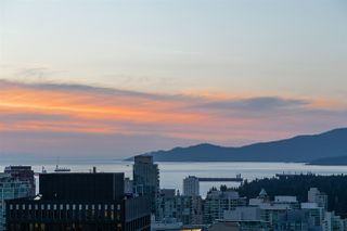 """Photo 13: 3405 1077 W CORDOVA Street in Vancouver: Coal Harbour Condo for sale in """"Shaw Tower"""" (Vancouver West)  : MLS®# R2371479"""