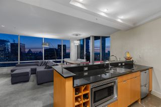 """Photo 3: 3405 1077 W CORDOVA Street in Vancouver: Coal Harbour Condo for sale in """"Shaw Tower"""" (Vancouver West)  : MLS®# R2371479"""
