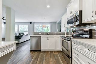 """Photo 7: 8418 209 Street in Langley: Willoughby Heights House for sale in """"Yorkson Village"""" : MLS®# R2371271"""