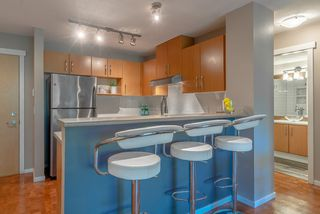 """Photo 5: 101 300 KLAHANIE Drive in Port Moody: Port Moody Centre Condo for sale in """"TIDES"""" : MLS®# R2375943"""