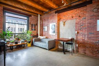 """Photo 5: 418 55 E CORDOVA Street in Vancouver: Downtown VE Condo for sale in """"Koret Lofts"""" (Vancouver East)  : MLS®# R2380964"""