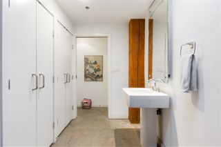 """Photo 15: 418 55 E CORDOVA Street in Vancouver: Downtown VE Condo for sale in """"Koret Lofts"""" (Vancouver East)  : MLS®# R2380964"""