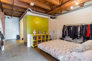 """Photo 13: 418 55 E CORDOVA Street in Vancouver: Downtown VE Condo for sale in """"Koret Lofts"""" (Vancouver East)  : MLS®# R2380964"""