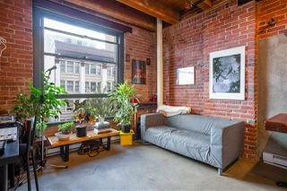 """Photo 6: 418 55 E CORDOVA Street in Vancouver: Downtown VE Condo for sale in """"Koret Lofts"""" (Vancouver East)  : MLS®# R2380964"""