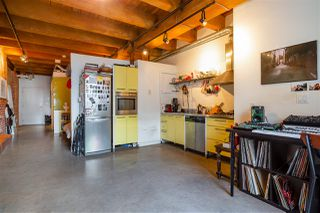 """Photo 7: 418 55 E CORDOVA Street in Vancouver: Downtown VE Condo for sale in """"Koret Lofts"""" (Vancouver East)  : MLS®# R2380964"""