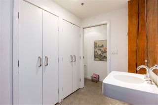 """Photo 14: 418 55 E CORDOVA Street in Vancouver: Downtown VE Condo for sale in """"Koret Lofts"""" (Vancouver East)  : MLS®# R2380964"""
