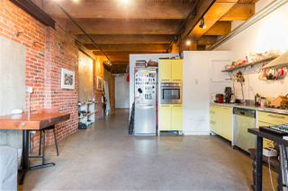 """Photo 8: 418 55 E CORDOVA Street in Vancouver: Downtown VE Condo for sale in """"Koret Lofts"""" (Vancouver East)  : MLS®# R2380964"""