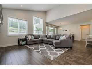"Photo 4: 50300 KENSINGTON Drive in Chilliwack: Eastern Hillsides House for sale in ""Elk Creek Estates"" : MLS®# R2381564"