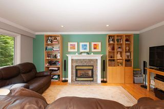 Photo 6: 4576 COVE CLIFF Road in North Vancouver: Deep Cove House for sale : MLS®# R2386100