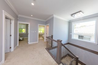 Photo 9: 3654 E PENDER Street in Vancouver: Renfrew VE House for sale (Vancouver East)  : MLS®# R2389881