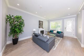 Photo 2: 3654 E PENDER Street in Vancouver: Renfrew VE House for sale (Vancouver East)  : MLS®# R2389881