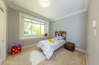 Photo 13: 3654 E PENDER Street in Vancouver: Renfrew VE House for sale (Vancouver East)  : MLS®# R2389881