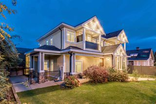 Photo 1: 807 TWENTIETH Street in New Westminster: West End NW House for sale : MLS®# R2412114