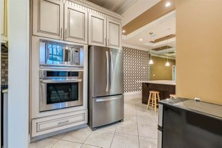 Photo 5: 807 TWENTIETH Street in New Westminster: West End NW House for sale : MLS®# R2412114